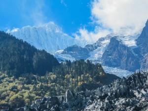 Le glacier Mingyong, dans les montagnes Meili