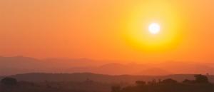 Coucher de soleil sur Lichinga - © Derek Winterburn