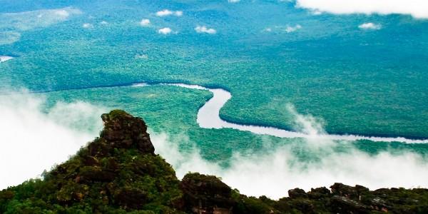 Le fleuve Orénoque au cœur de la jungle - © Inti