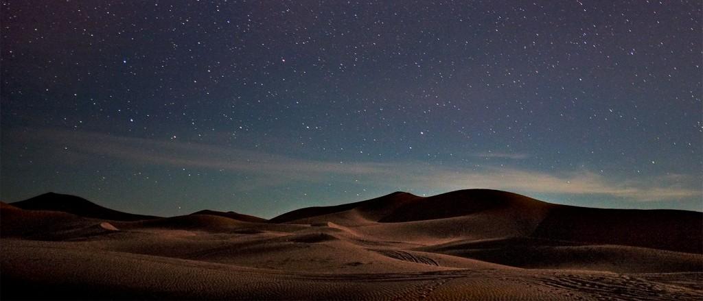Les magnifiques nuits étoilées en plein désert - © Gustaw Jot