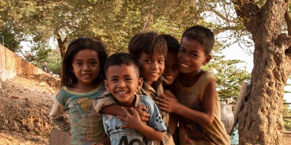 Le sourire des enfants de Kratie, Cambodge - © Oliver Townend