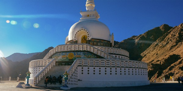 Shanti Stupa, Ladakh, Inde - © Nhi Dang