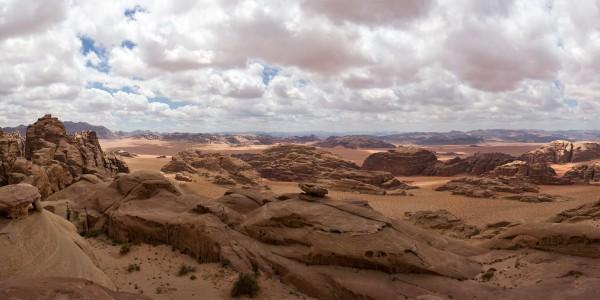 Panorama sur le désert de Wadi Rum, Jordanie - © Lawrence Murray