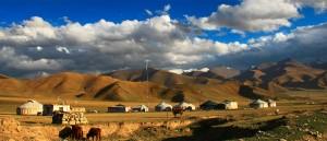 Campement dans les Monts Céleste - © zfilmspro