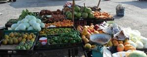 Les fruits et légumes du marché Kingston - © Yonolatengo