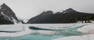 Le lac Louise sous la magie de l'hiver - © Ross Fowler