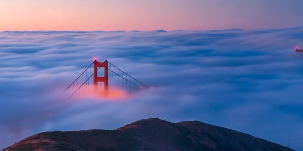 Le Golden Gate dans un mer de nuages, San Francisco - © Frank Schulenburg