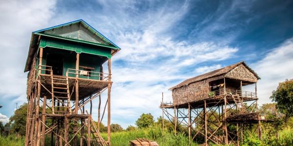 Un village sur pilotis sur le lac Tonlé Sap - © alphis tay