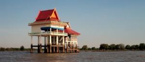 Un temple cambodgien sur le Tonle Sap - © Prince Roy