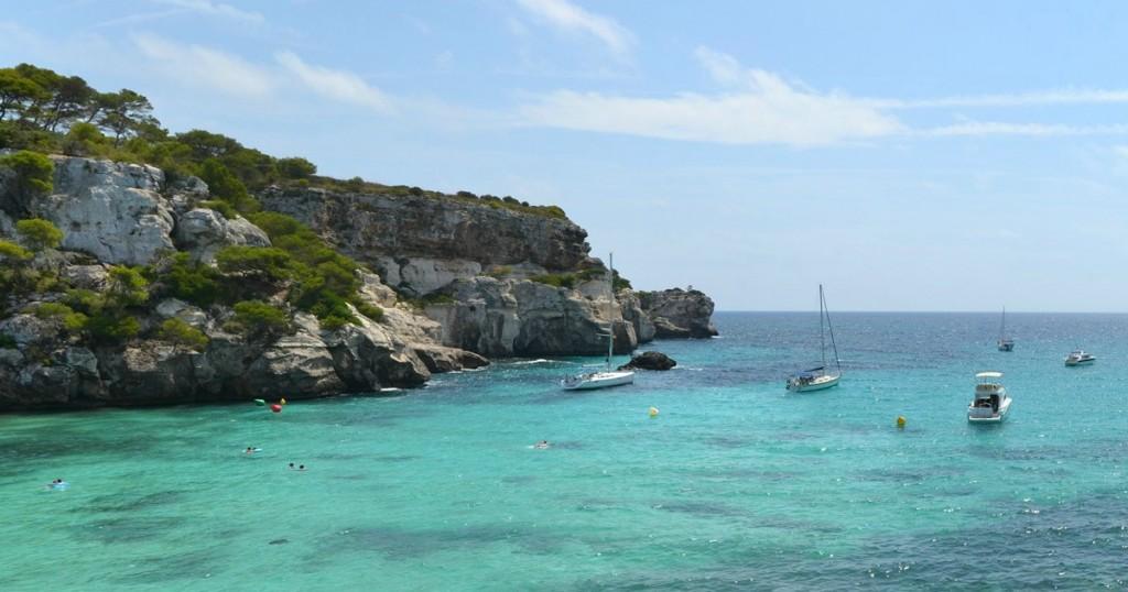 L'eau turquoise de la Cala Macarella, Minorque - © DAVID BURILLO
