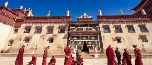Shangri La et ses moines, Yunnan