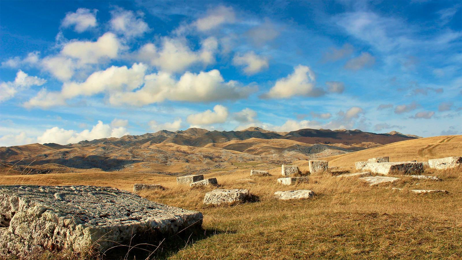 Des stećci de Bosnie-Herzégovine - © John Pruess