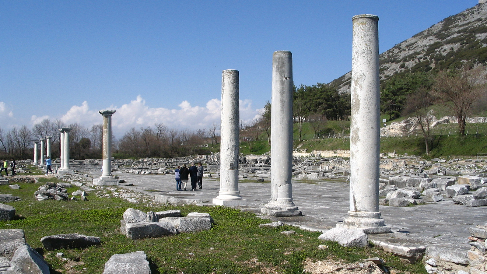 Le portique de l'agora de Philippes, en Grèce - © Ian W. Scott