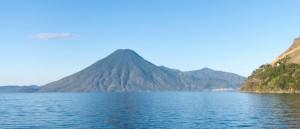 Vue sur le lac Atitlan et son volcan, Guatemala - © schizoform