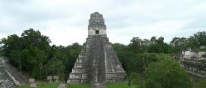 Temple maya du parc national de Tikal - © Beth and Anth