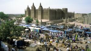 Les villes anciennes de Djenné (ici la mosquée), au Mali - © Stefan H