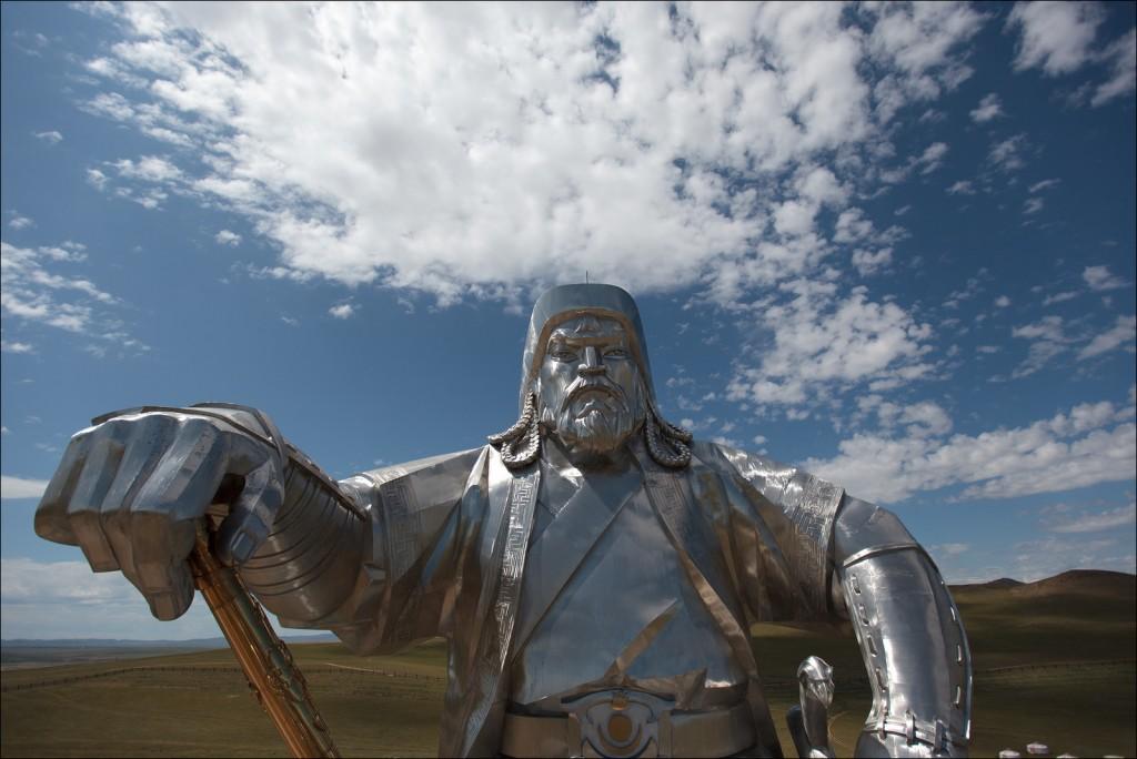 La statue géante de Gengis Khan, à Tsonjin Boldog, en Mongolie - © Ludovic Hirlimann