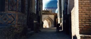 Dans les rues de Samarcande, en Ouzbékistan - © JeanneMenjoulet&Cie